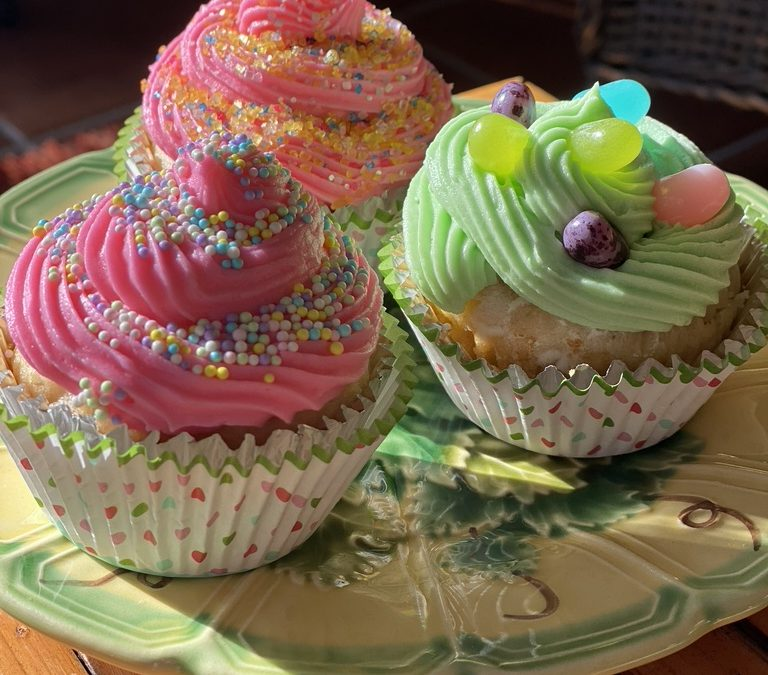 Pineapple Easter Cupcakes